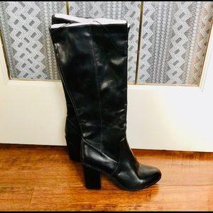 Knee High Heeled Black Boots